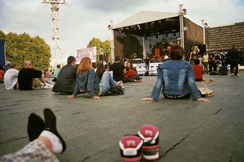fujicolour superia 200 film 35mm stadium daugavas stadions rīga riga Reggae in Riga Sun Splash 2011 sky getting cosy feet legs summer fest festival people sitting back socks nikes sneakers 6.0