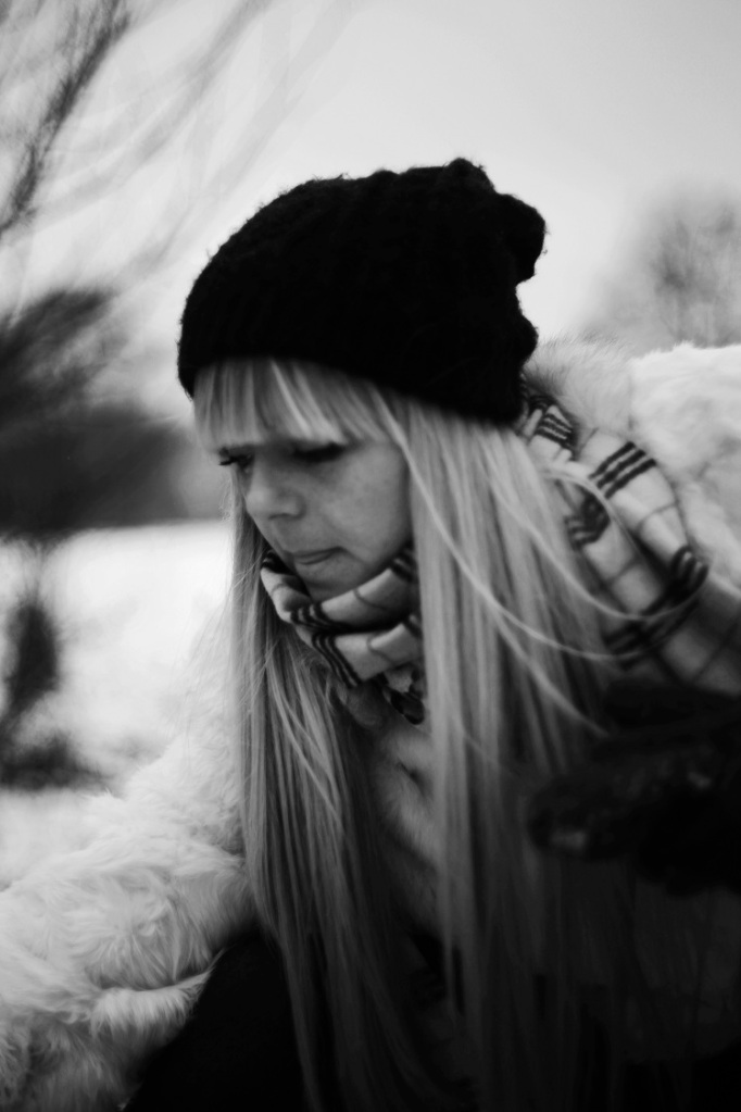 black and white, B&W, girl, model, shoot, photography, portrait, fashion shoot, coat, white , winter, casual, no colours