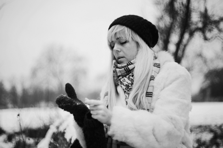 black and white, B&W, girl, model, shoot, photography, portrait, fashion shoot, coat, white , winter, casual, no colours , gloves, clothing