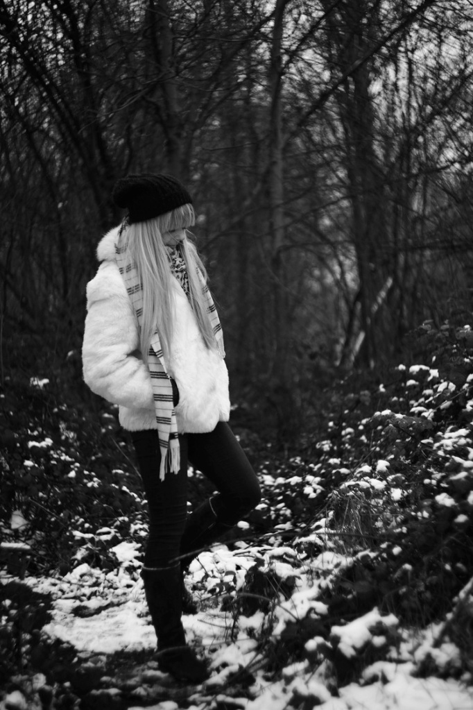 black and white, B&W, girl, model, shoot, photography, portrait, fashion shoot, coat, white , winter, casual, no colours , woods, nature